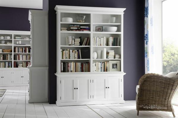 flott hvit reol med skap designet i vakker klassisk vintagestil hos louis ludvig. Black Bedroom Furniture Sets. Home Design Ideas